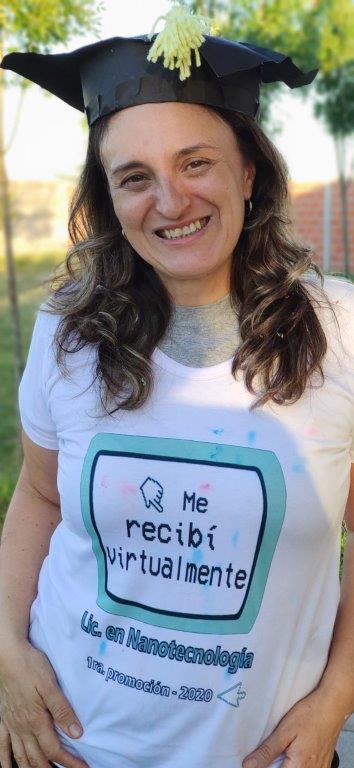 Resultado de imagen de Argentina tiene la primera graduada en Nanotecnología